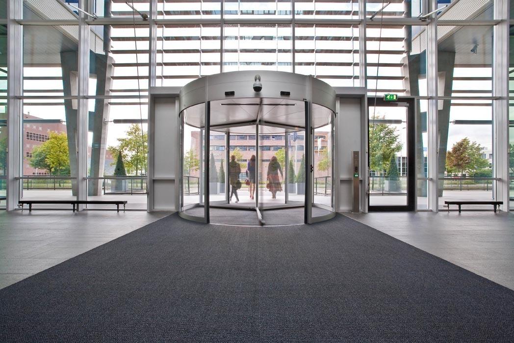 hc-rbs-bank-buiten-binnen-tourniquets-2
