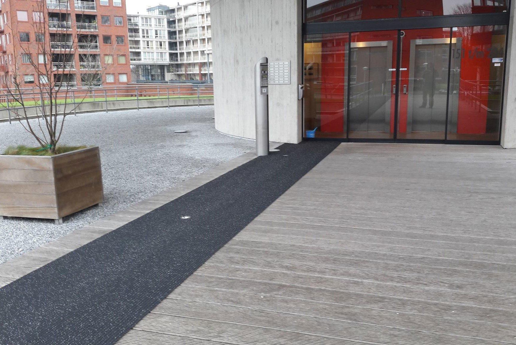 VvE-Schutterstoren-Amsterdam—Antislipmat